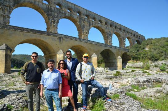 Kulmeet Makkar, Kassim Jagmagia, Nishanthan Niruthan, Aashish Singh,et Kanchan Marathe au Pont du Gard ( Occitanie) Le 17 avril 2018