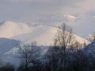 Montagne des Pyrénées aux cimes enneigées