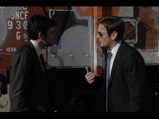 Deux hommes discutant de manière vive