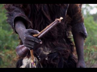 Instrument à vent traditionnel marocain, dans la main du musicien