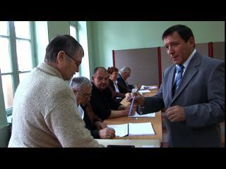 Candidat sortant à la mairie de Fleury-d'Aude, votant