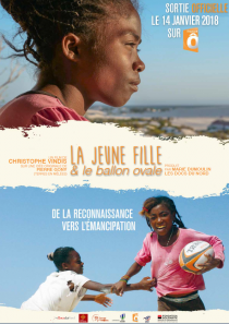 La Jeune Fille et le ballon ovale - © Les Docs du Nord